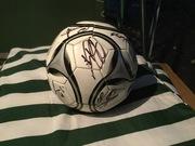 Мяч с автографами футболистов Ювентуса
