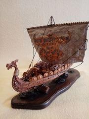 Модель корабля Дракар